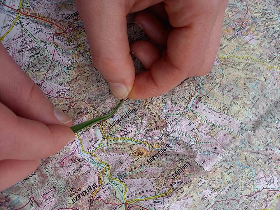 távolságmérés térképen fűszál segítségével
