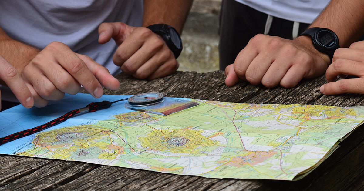 távolságmérés térképen a tájoló vonalzójával