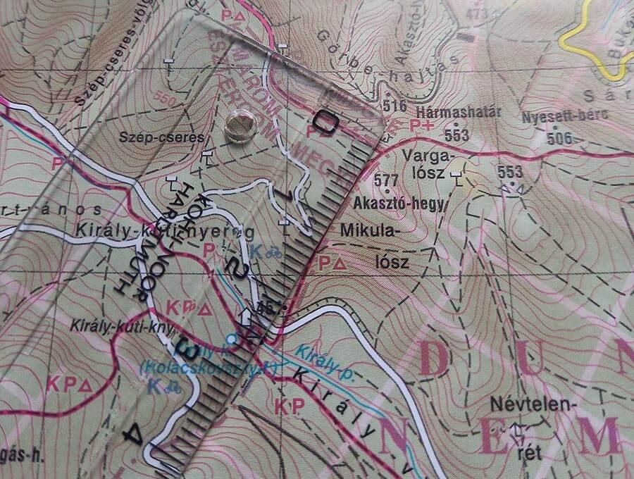 távolságmérés térképen vonalzóval